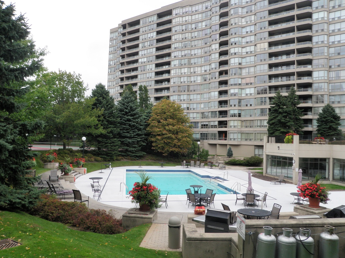 Outdoor Pool & BBQs at Discovery Place 1880 & 1890 Valley Farm Rd Town Centre Pickering Durham