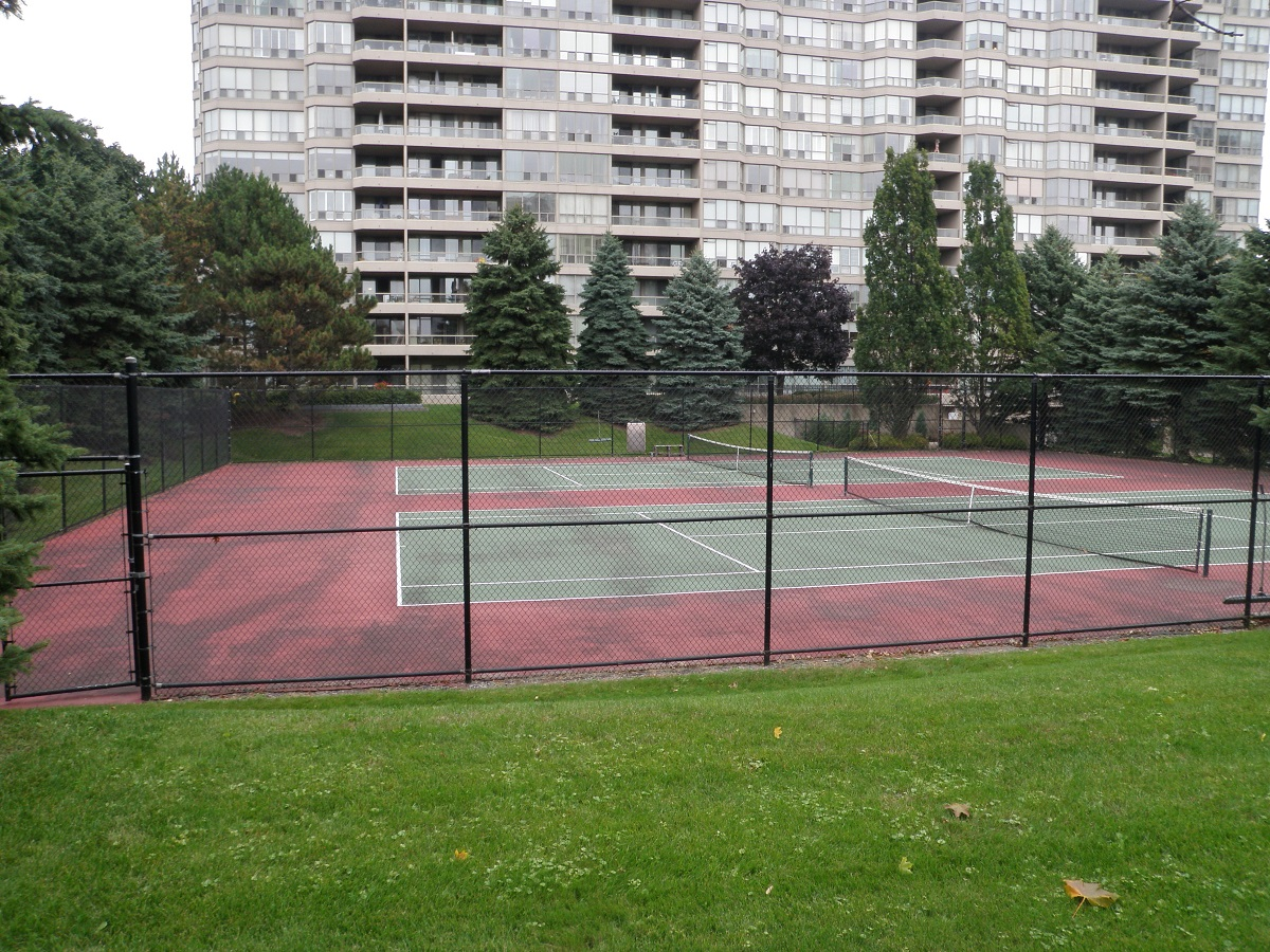 Tennis Courts at Discovery Place 1880 & 1890 Valley Farm Rd Pickering Condo