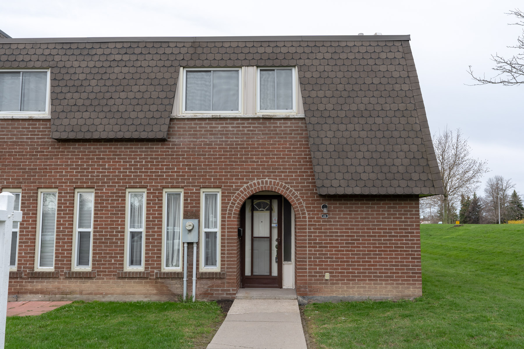 28 Deacon Lane South East Ajax Condo Townhouse in Durham